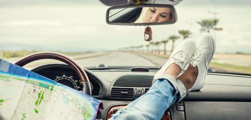 Kadın Sürücüler için Uzun Yola Çıkmadan Önce Yapılması Gereken 10 Kontrol